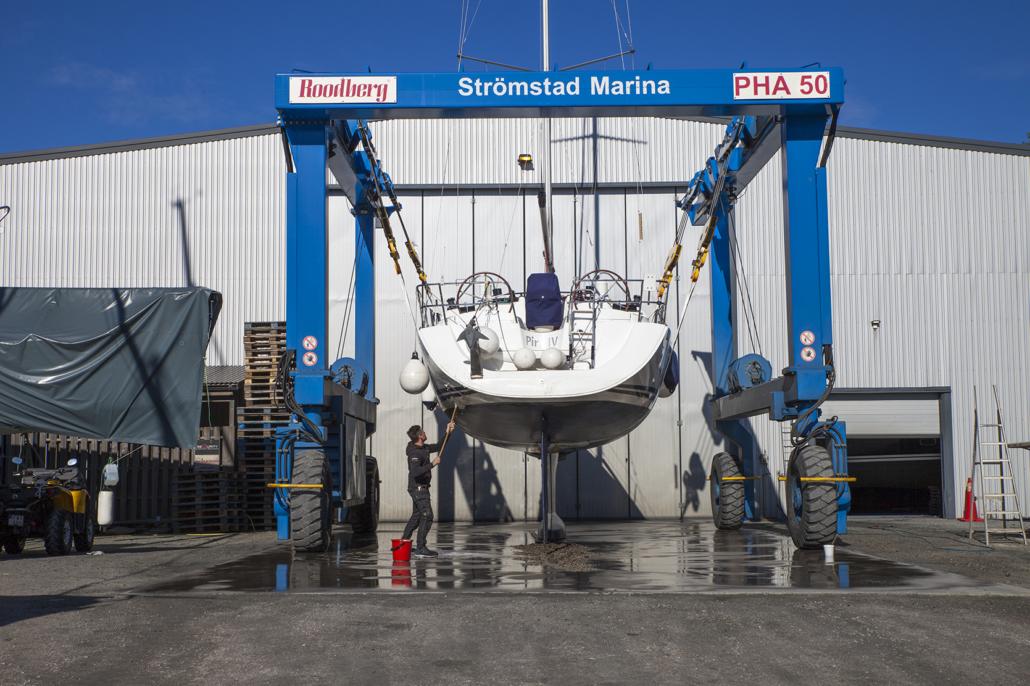 Båtlyft och båtförvaring i Strömstad - Strömstad Marina